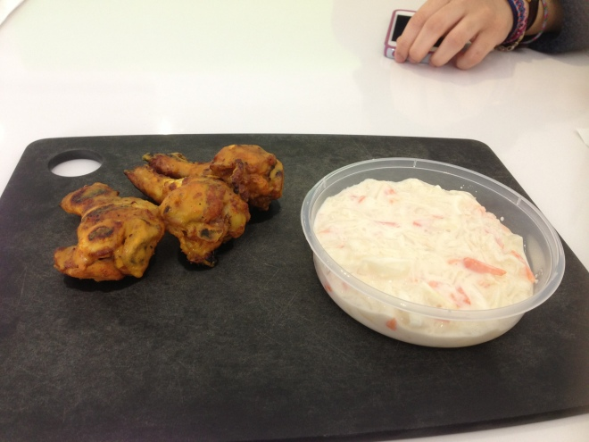 Chicken wings with coleslaw